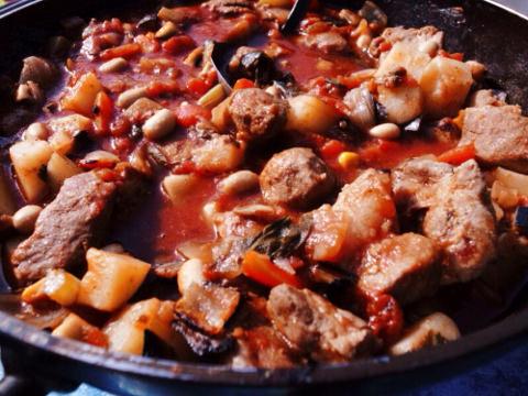 豚肉の野菜トマト煮込み